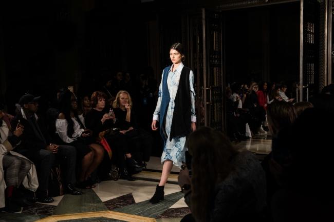Soe Jakarta, London Fashion Week A:W'18 | Anna Port Photography10