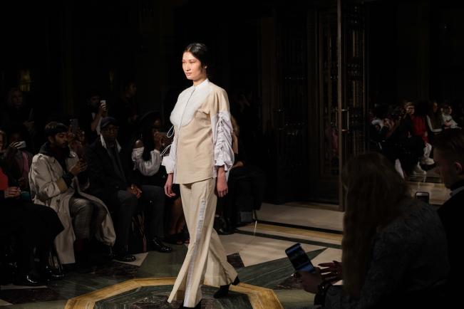 Soe Jakarta, London Fashion Week A:W'18 | Anna Port Photography2