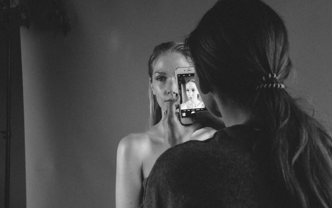 BTS Beauty Shoot Dust by Emma Jane Lewis | Anna Port Photography2